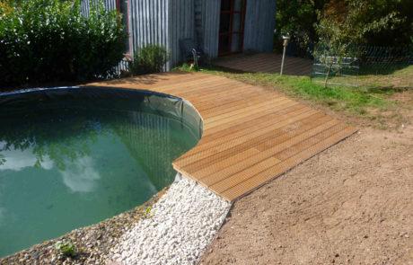 Neues Holzdeck Fuer Den Gartenpool