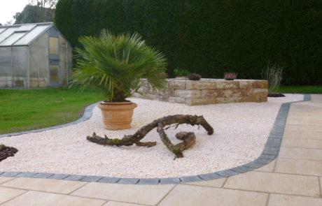 Pflegeleichte Gartengestaltung Mit Kiesbeet Und Palme