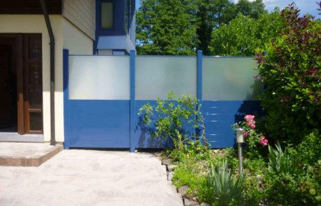 Sichtschutz Zaun Mit Mlchglaselementen