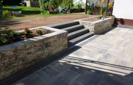 Terrassenbau Mit Hochbeet Und Treppenanlage