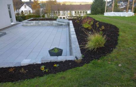 Terrassenbau Und Pflanzarbeiten